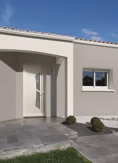 Installation d'une porte d'entrée à Garéoult
