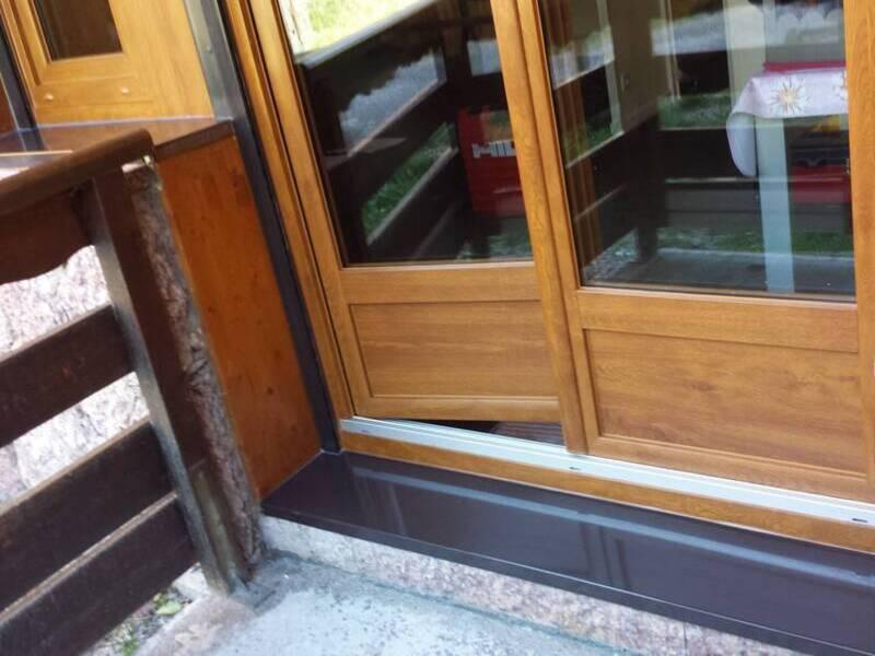 porte fenêtre pvc plaxé chêne doré à Néoules