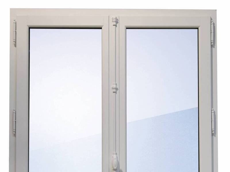 Installation de fenêtres bois à Hyères / Toulon