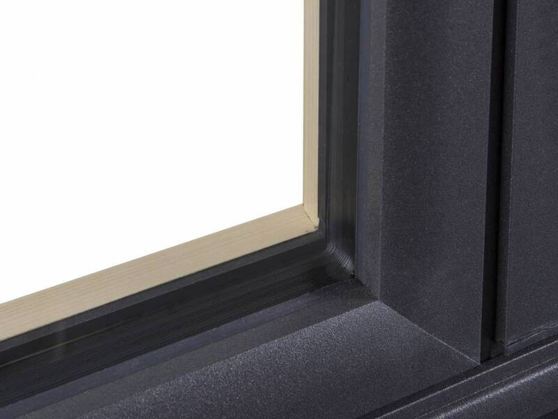 Angle de fenêtre mixte bois / alu dans le var