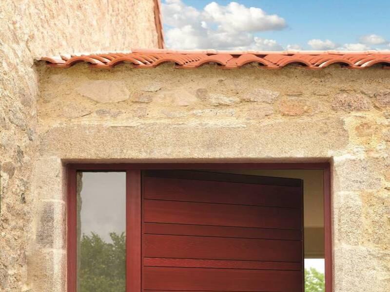 Installation d'une porte bois NATIV à Solliès Toucas dans le var