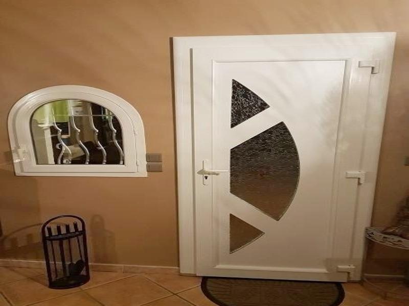 nstallation d'une porte PVC PANAMA Techni'RénoV