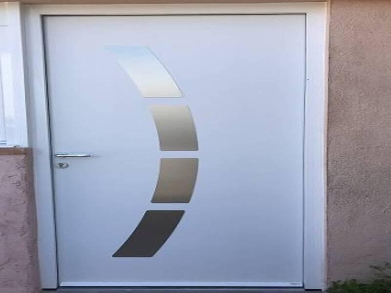 Installation à Toulon d'une porte d'entrée modèle NIKAO de ZILTEN