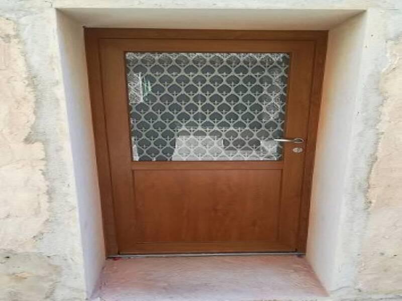 Porte d'entrée modèle ARGENTEUIL en BOIS posée au Luc en Provence