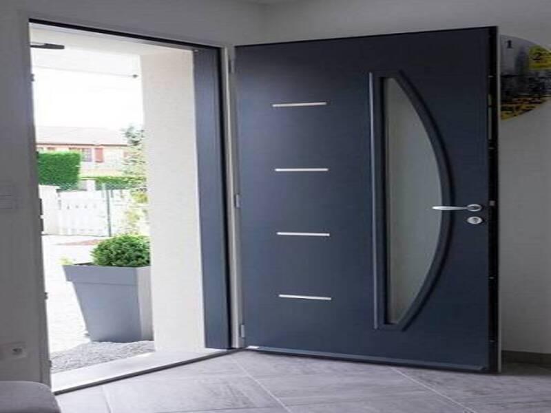 Installation à Forcalquieret d'une porte modèle CEDUSA