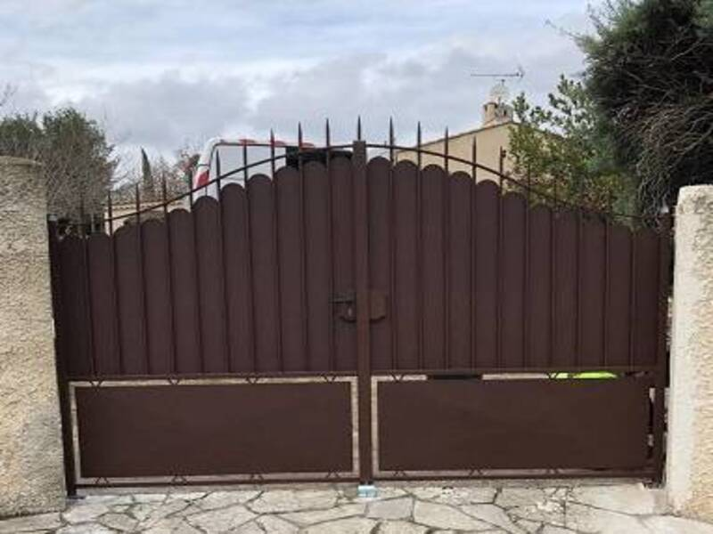 installation-PRADET-portail-acier-thermolaque
