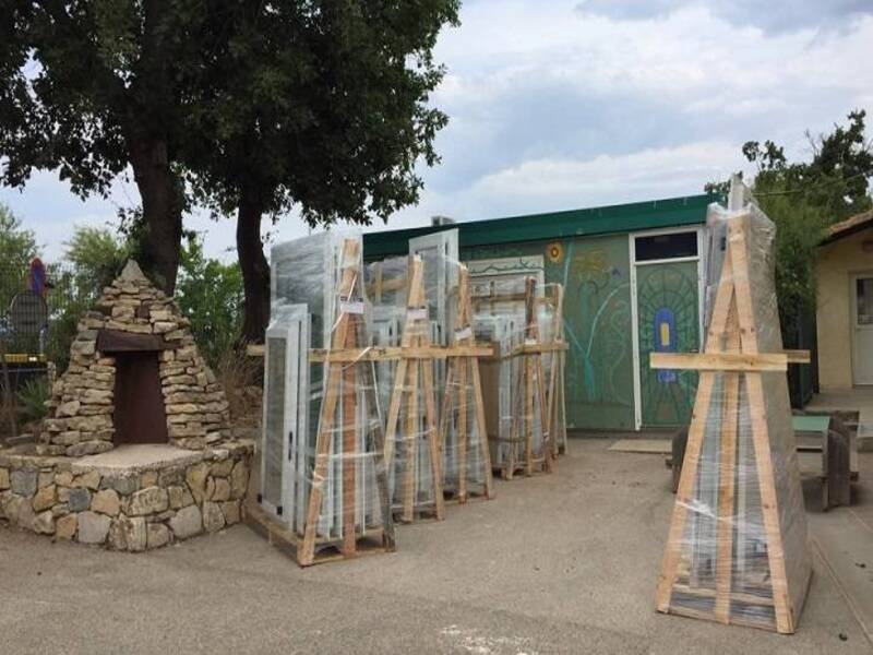 Menuiseries PVC Blanc pour l'école élémentaire de Rocbaron